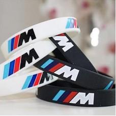 M -es karkötő fekete