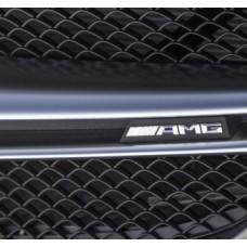 AMG felirat hűtőrácsra