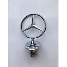 W 221 Mercedes -hez csillag motorháztetőre